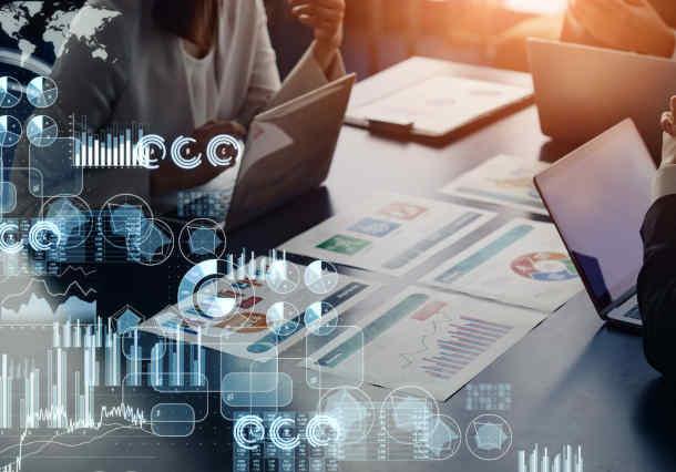 議事録等の「ことば」も活用する経営解析プラットフォーム構築事例