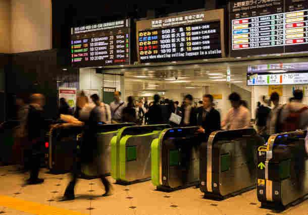人流シミュレーションによるオリンピック開催時の駅の混雑分析事例